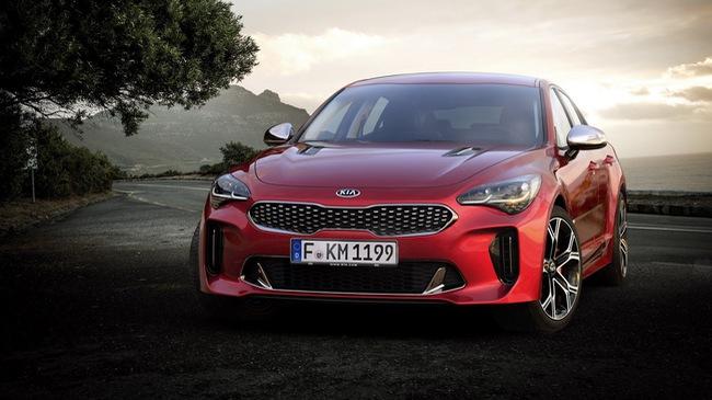 Stinger 2018 - Xe thể thao đầu tiên của Kia, cạnh tranh BMW 3-Series