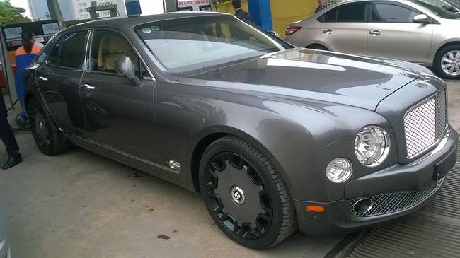 """Bentley Mulsanne độ mâm """"khủng"""" tại Hà thành"""
