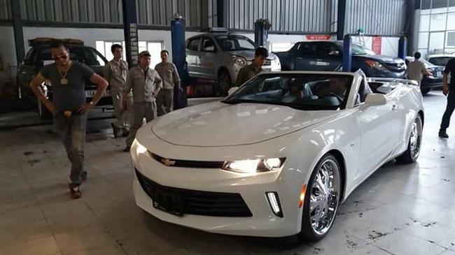 Chevrolet Camaro Convertible 2017 thứ 2 cập bến thị trường Việt Nam