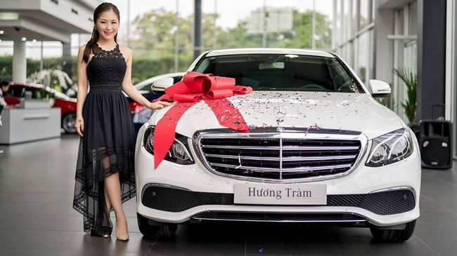 Nữ ca sĩ Hương Tràm tậu Mercedes-Benz E-Class 2017 trị giá 2,1 tỷ Đồng