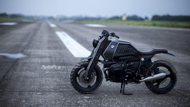 Gặp gỡ BMW R1100RS độ Streetfighter ZF Ronin của thợ Việt