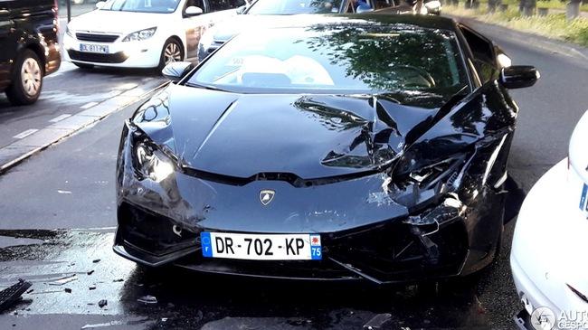 Siêu xe Lamborghini Huracan LP610-4 gặp nạn tại Pháp