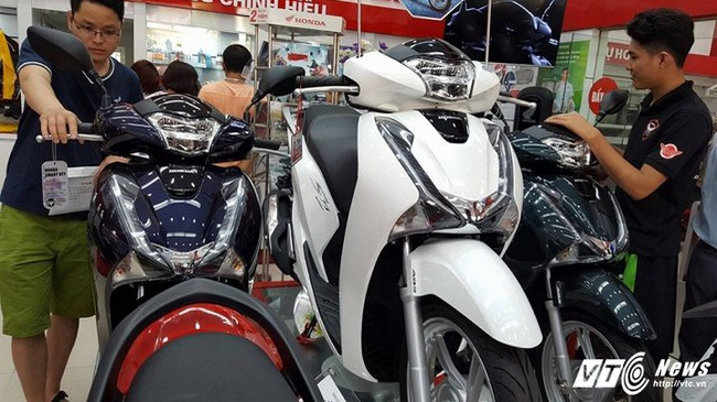 Giá xe máy Honda đang rơi tự do