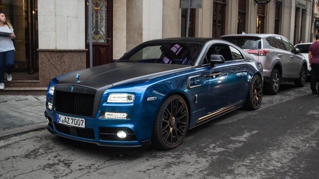 Rolls-Royce Wraith độ Mansory khoe dáng trên phố