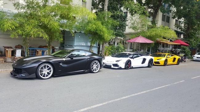 """Cường """"Đô-la"""" cùng dàn siêu xe của đại gia Việt tụ tập chơi lễ"""