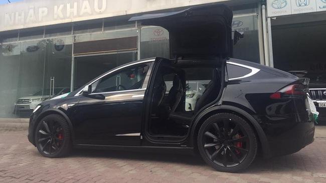 Tesla Model X P100D đầu tiên tại Việt Nam xuất hiện ở Hà Nội