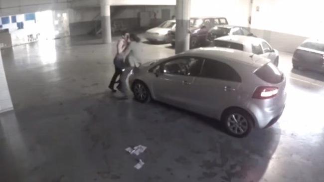 Kết thúc bất ngờ của vụ ẩu đả vì va chạm ô tô trong hầm gửi xe
