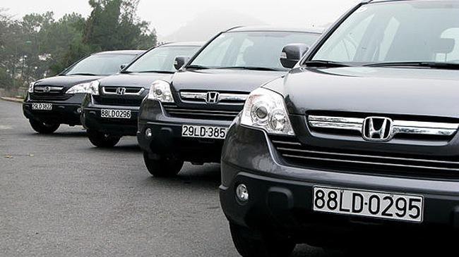 So sánh Honda CR V và các xe cùng giá