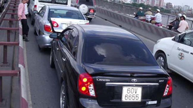 Tai nạn liên hoàn trên cầu Sài Gòn