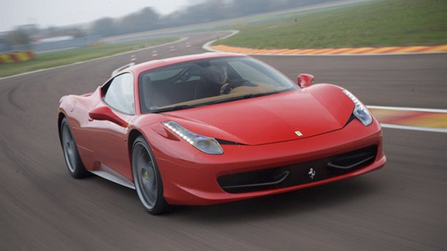 Autocar lái thử siêu xe Ferrari 458