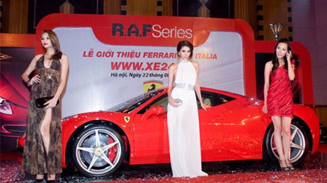 Thiếu gia Hà Nội sắm siêu xe Ferrari 458 Italia