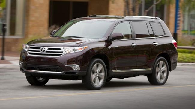 Toyota Highlander 2011 bản Mỹ có giá từ 27.390 USD