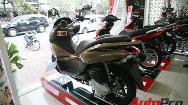 """Honda PCX 125: Lại """"loạn giá""""?"""