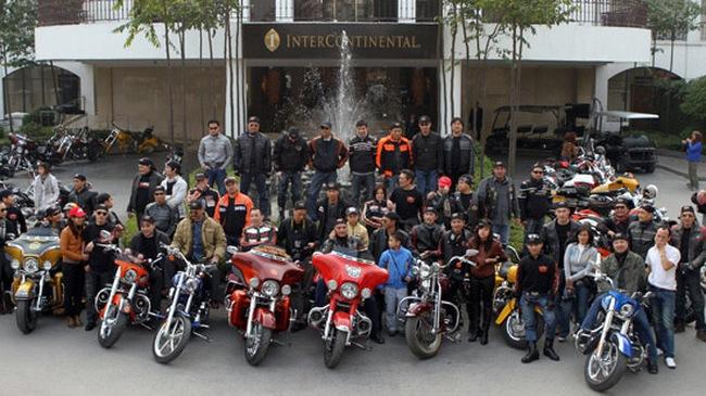 Ngắm dàn xe Harley-Davidson diễu hành tại Hà Nội