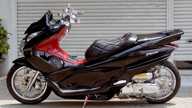 Thay áo mới cho Honda PCX 125