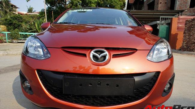 """Mazda2: tiện ích, tiết kiệm, nhưng """"nhạt"""""""