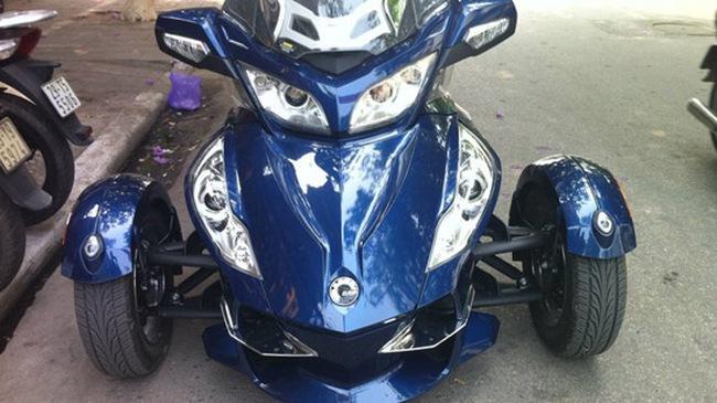 Xe 3 bánh Can-Am Spyder tiếp tục về Hà Nội