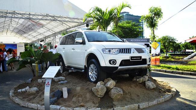 Mitsubishi Pajero Sport có giá gần 800 triệu đồng
