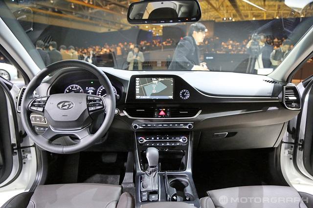 Hyundai Azera thế hệ mới vừa ra mắt đã bán chạy như tôm tươi - Ảnh 2.