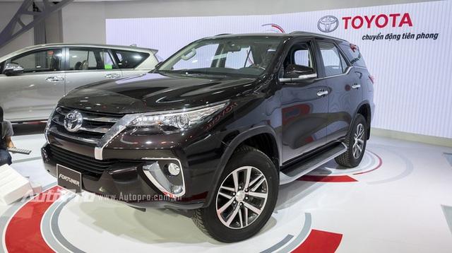 Toyota Fortuner 2016 ra mắt tại Việt Nam trong triển lãm VMS năm nay.
