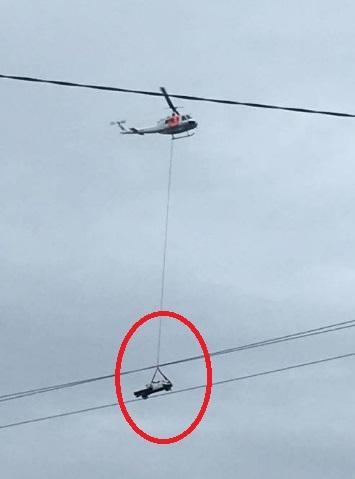 Toyota Hilux được cứu hộ bằng trực thăng sau tai nạn do tài xế 17 tuổi gây ra - Ảnh 6.