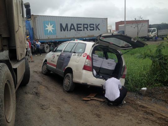 Lái xe đông lạnh khóc ở khu vực cảng Cát Lái - Ảnh 6.