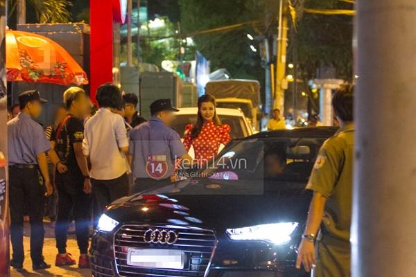Đông Nhi - Ông Cao Thắng mua siêu xe Audi R8 V10 Plus 2016 chơi Tết - Ảnh 4.