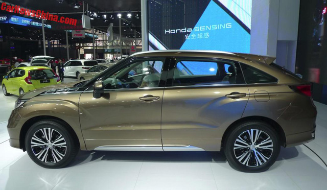 Bắt gặp crossover 5 chỗ Honda UR-V với kích thước lớn hơn CR-V ngoài đời thực - Ảnh 2.