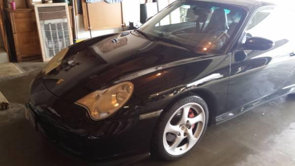 Làm quen với Porsche 911 Turbo chạy nhiều như xe cỏ và đã thay 124 chiếc lốp - Ảnh 1.