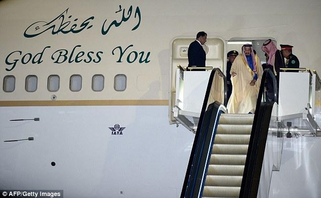 Công ty cho thuê xe limousine hốt bạc nhờ chuyến thăm của Quốc vương Ả-Rập đến Nhật Bản - Ảnh 1.
