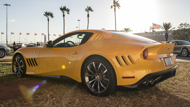 Thiếu niên 16 tuổi gây choáng khi cầm lái siêu xe Ferrari độc nhất vô nhị - Ảnh 5.