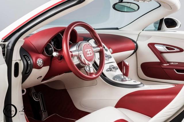 Võ sỹ triệu phú Floyd Mayweather rao bán cặp đôi siêu xe Bugatti Veyron - Ảnh 3.