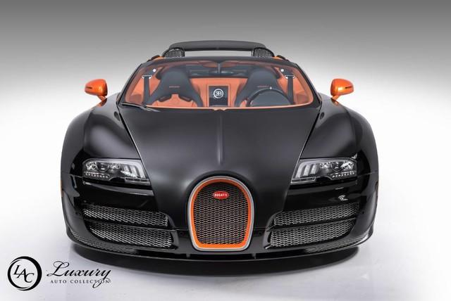 Võ sỹ triệu phú Floyd Mayweather rao bán cặp đôi siêu xe Bugatti Veyron - Ảnh 12.