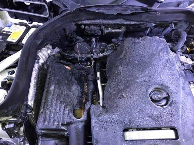 Mercedes-Benz Việt Nam nói gì về vụ khoang động cơ của GLC300 bốc cháy? - Ảnh 3.