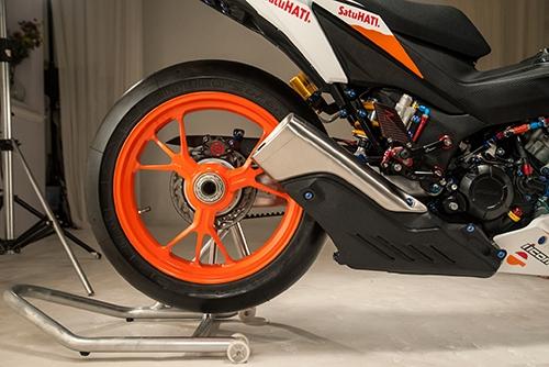 Honda Winner 150 độ theo phong cách mô tô đua tại Việt Nam được lên báo Tây - Ảnh 5.