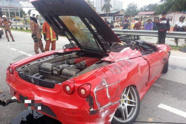 Ngay cả siêu xe gầm thấp như Ferrari F430 cũng có thể lật ngửa - Ảnh 3.