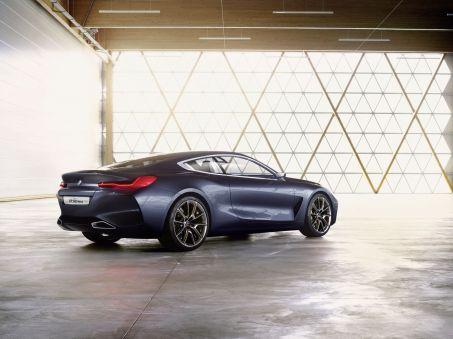 Xe trong mơ BMW 8-Series 2018 lộ diện trước giờ ra mắt - Ảnh 2.
