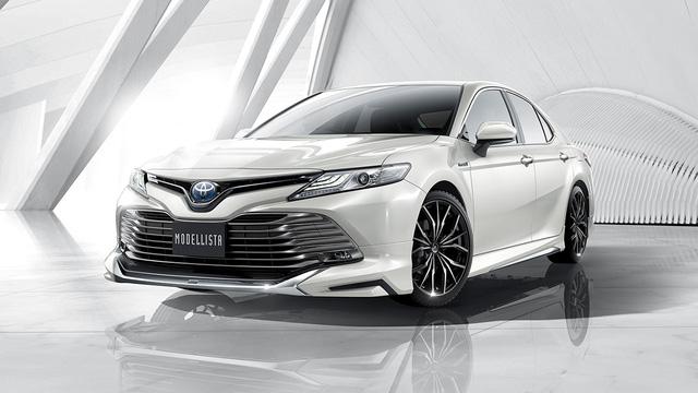 Bắt gặp Toyota Camry 2018 có thể về Việt Nam trên đường phố - Ảnh 4.