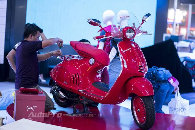 Siêu phẩm Vespa 946 RED Edition từng ra mắt Việt Nam có giá ngang ô tô