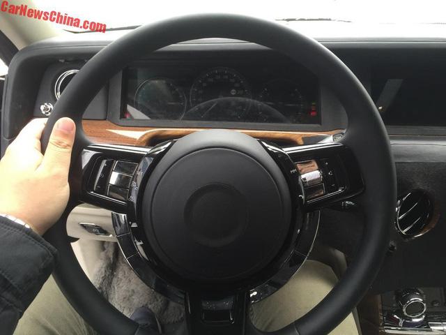 Rolls-Royce hé lộ hình ảnh đầu tiên của xe siêu sang Phantom 2018 - Ảnh 3.