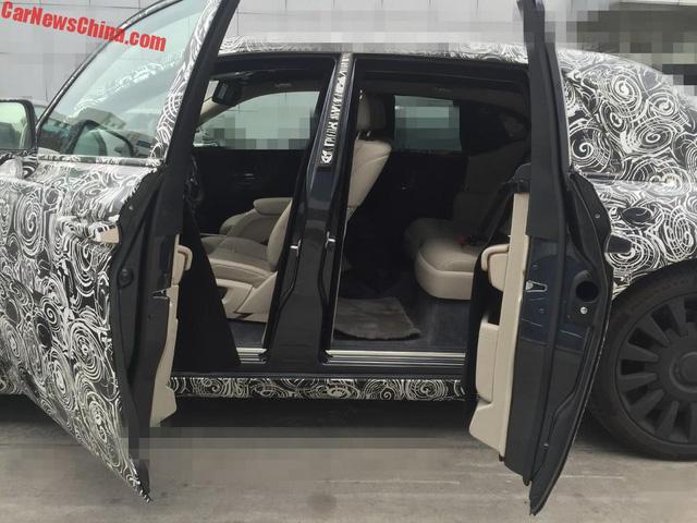 Rolls-Royce hé lộ hình ảnh đầu tiên của xe siêu sang Phantom 2018 - Ảnh 4.