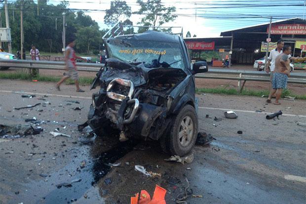 Ô tô chở khách đối đầu xe bán tải tại Thái Lan khiến 2 phụ nữ Việt thiệt mạng - Ảnh 1.