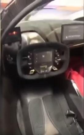 Rò rỉ hình ảnh nội thất của siêu phẩm nhà giàu Aston Martin Valkyrie - Ảnh 3.