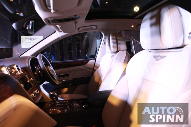 SUV siêu sang Bentley Bentayga chính thức ra mắt Thái Lan, giá từ 16,4 tỷ Đồng - Ảnh 5.