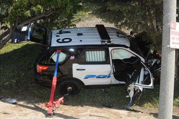 Bị ngộ độc khí CO khi ngồi bên trong Explorer, một cảnh sát kiện Ford - Ảnh 2.