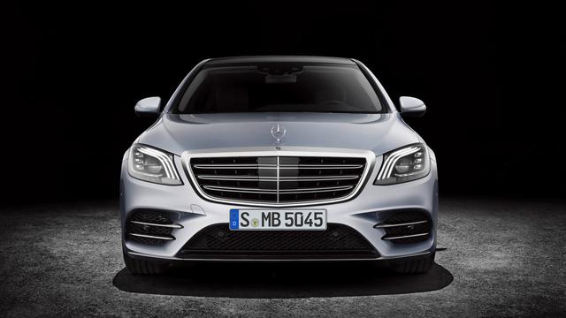 Bắt gặp đoàn tàu chở hơn 100 chiếc xe sang Mercedes-Benz S-Class 2018 - Ảnh 7.