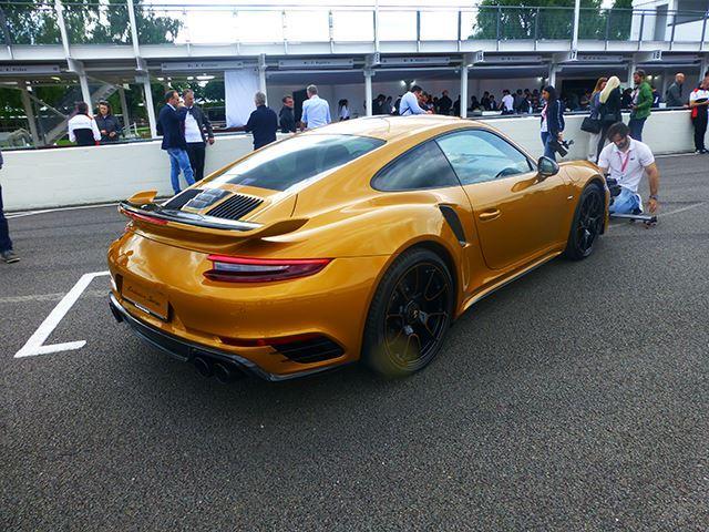 Ngắm xe thể thao số lượng ít Porsche 911 Turbo S Exclusive Series ngoài đời thực - Ảnh 6.
