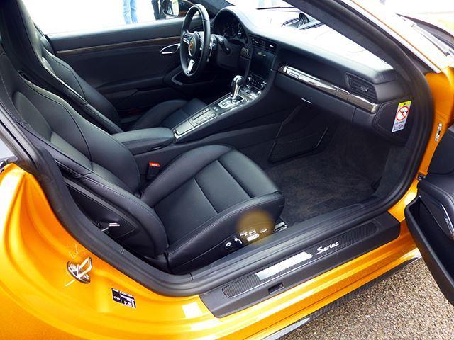 Ngắm xe thể thao số lượng ít Porsche 911 Turbo S Exclusive Series ngoài đời thực - Ảnh 8.