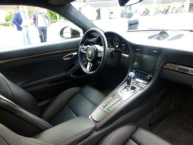 Ngắm xe thể thao số lượng ít Porsche 911 Turbo S Exclusive Series ngoài đời thực - Ảnh 7.