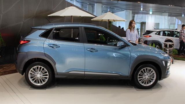 Dù có giá chưa đến 400 triệu Đồng, Kia Stonic vẫn bán thua người anh em Hyundai Kona - Ảnh 4.